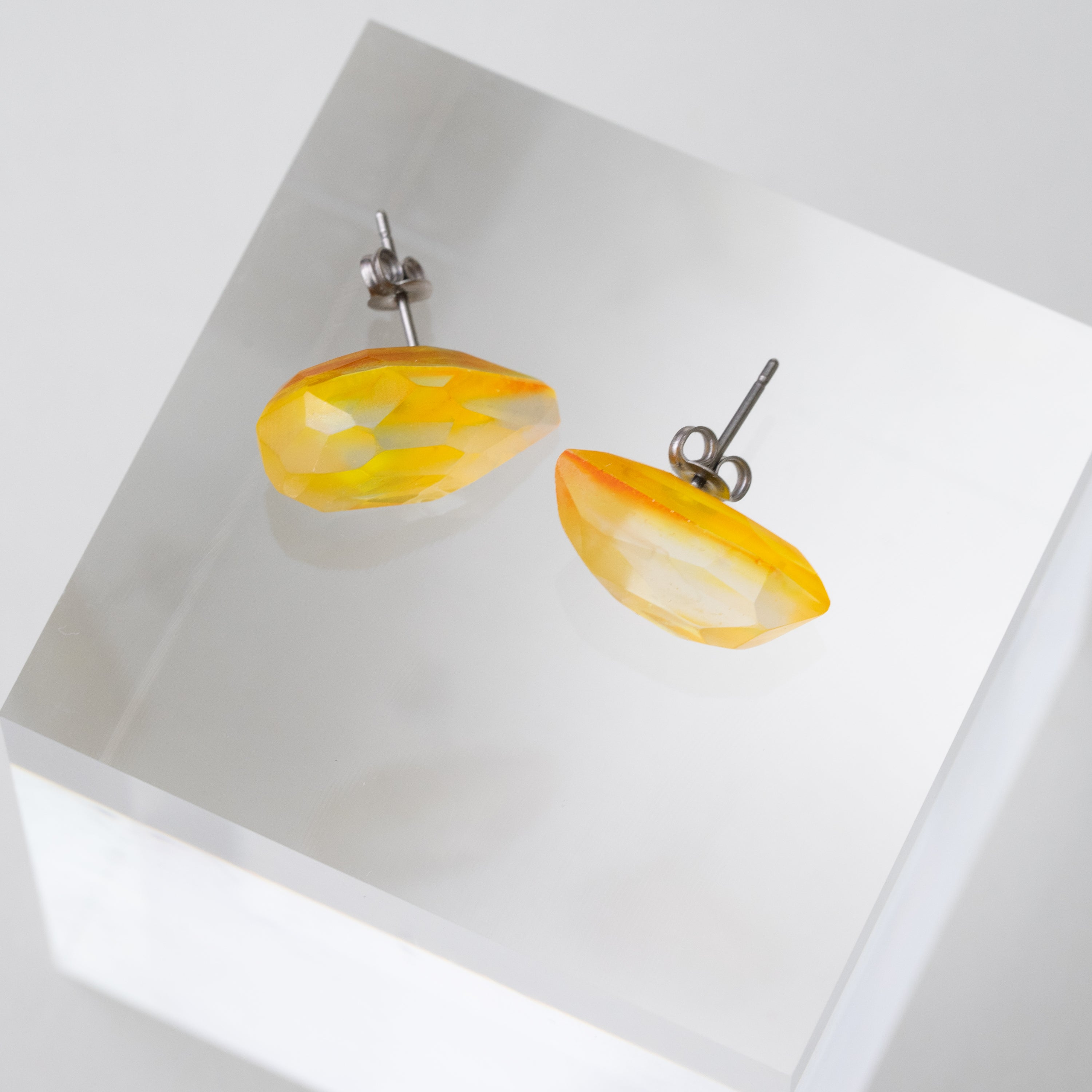 Color Quartz pierced earrings