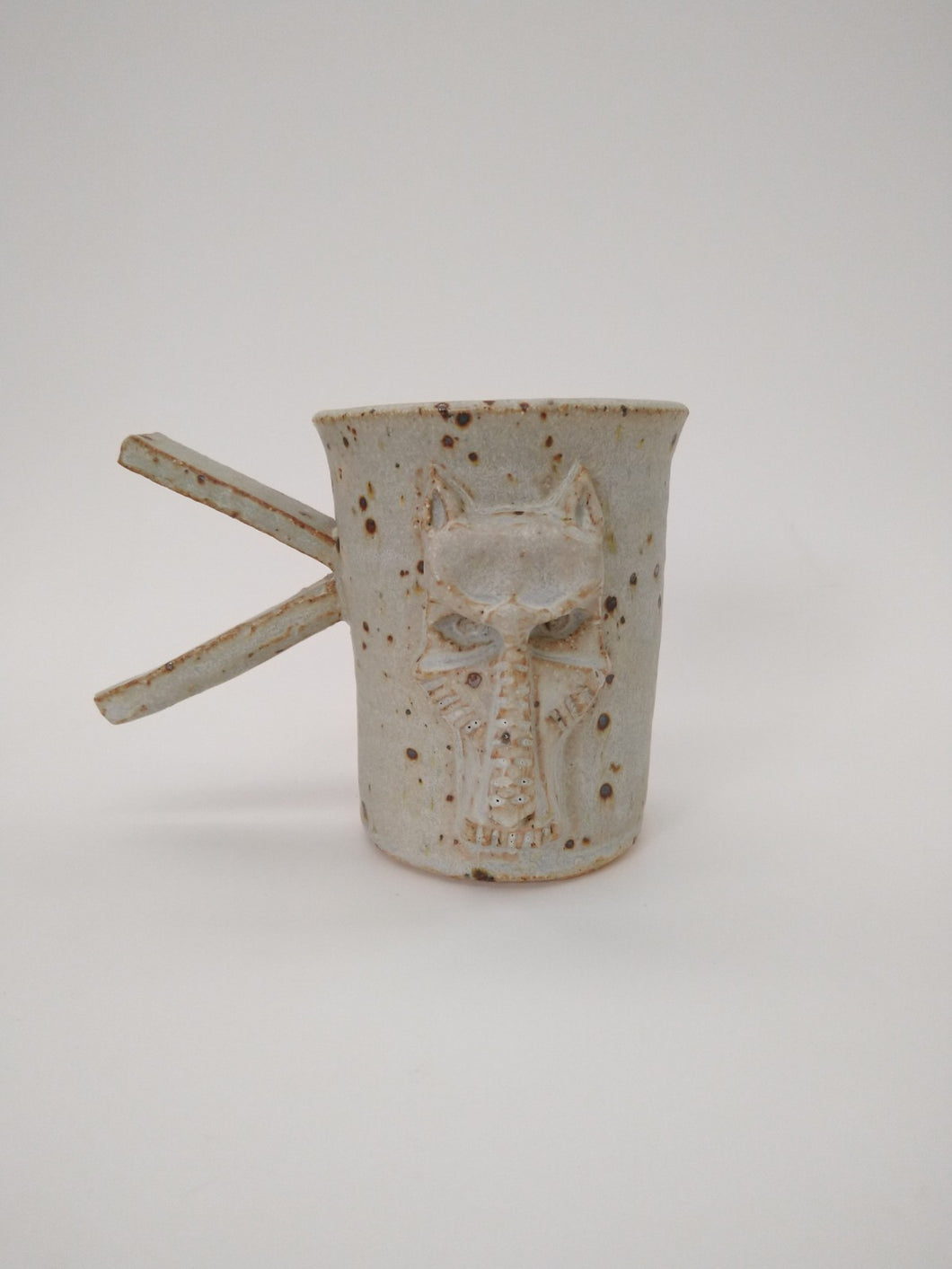 Flying V Dog Mug with Ivory Glaze