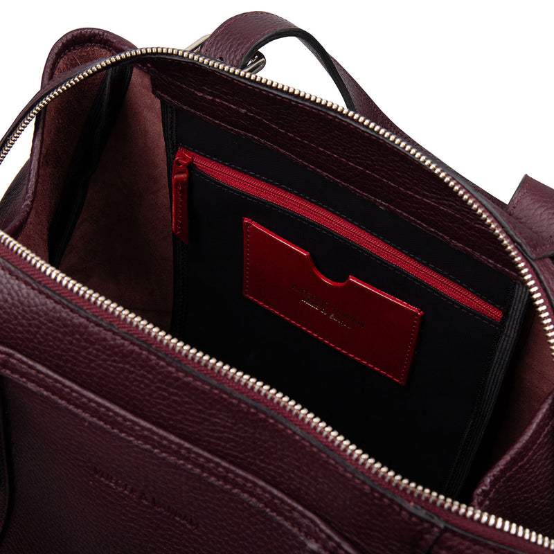 14800 Carry-all Burgundy interior