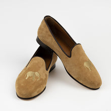 Load image into Gallery viewer, FABULA & TALES x '74ESCAPE | Suede Royal Slippers | Tobacco