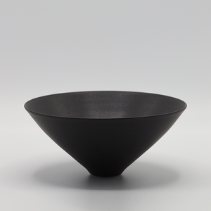 ELIZABETH GORRINGE | BOWL IN MATT BLACK #1