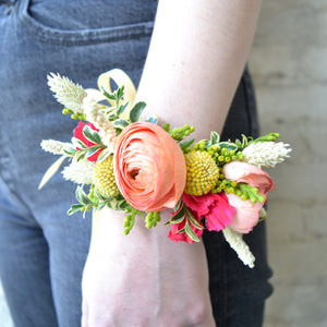 Load image into Gallery viewer, Wrist Corsage