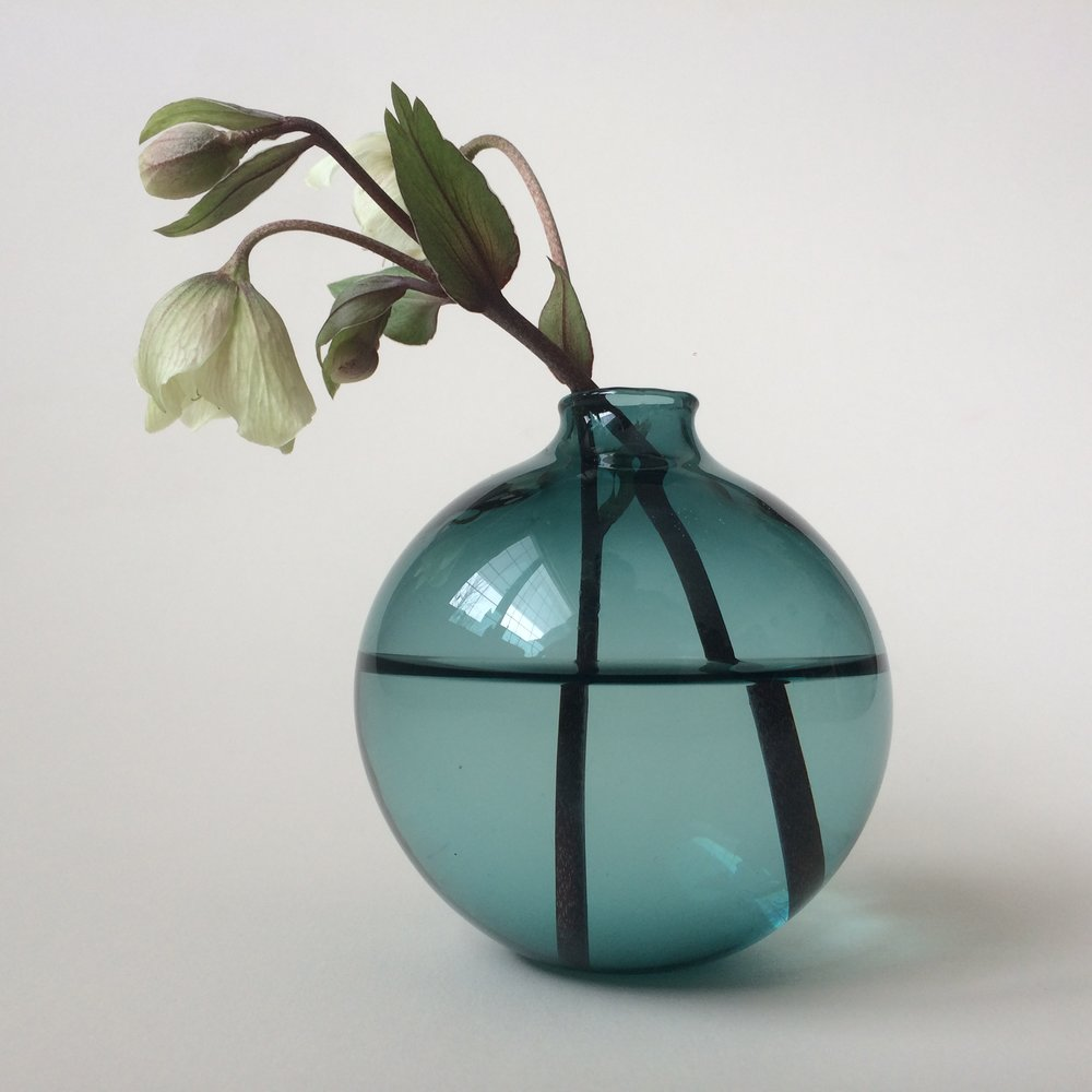 Load image into Gallery viewer, Hand Blown Glass Vase