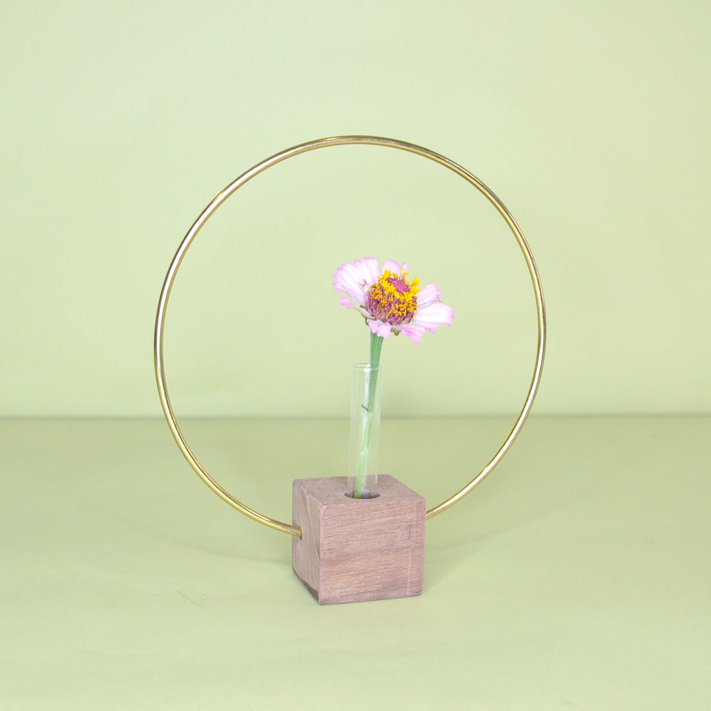 Load image into Gallery viewer, Hoop Bud Vase