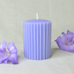Load image into Gallery viewer, Beeswax Pillar Candles