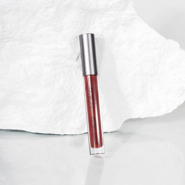 Madara Glossy Venom Hydrating Lip Gloss 75 Vegan Red - 4ml