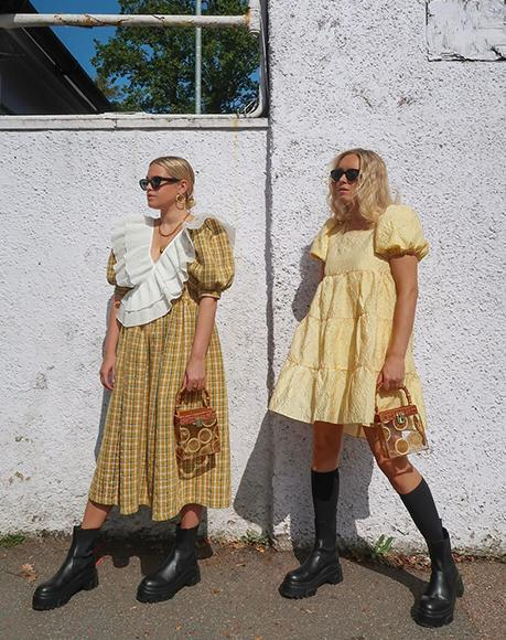 Influencers Olivia and Alice with L'alingi bamboo lemons bags