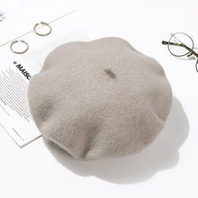 Load image into Gallery viewer, Je Ne Sais Quoi Wool Beret