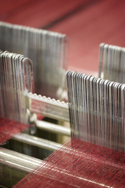 Weaving Begg cashmere scarves, stoles, and throws