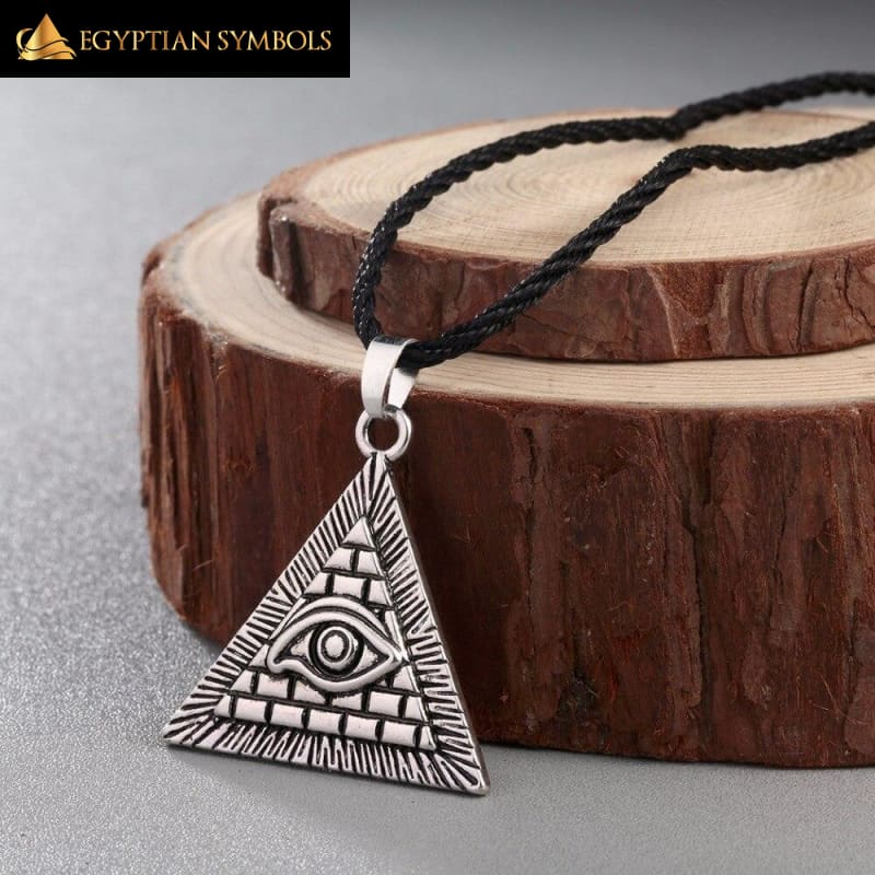 Necklace with Egyptian Pyramid pattern