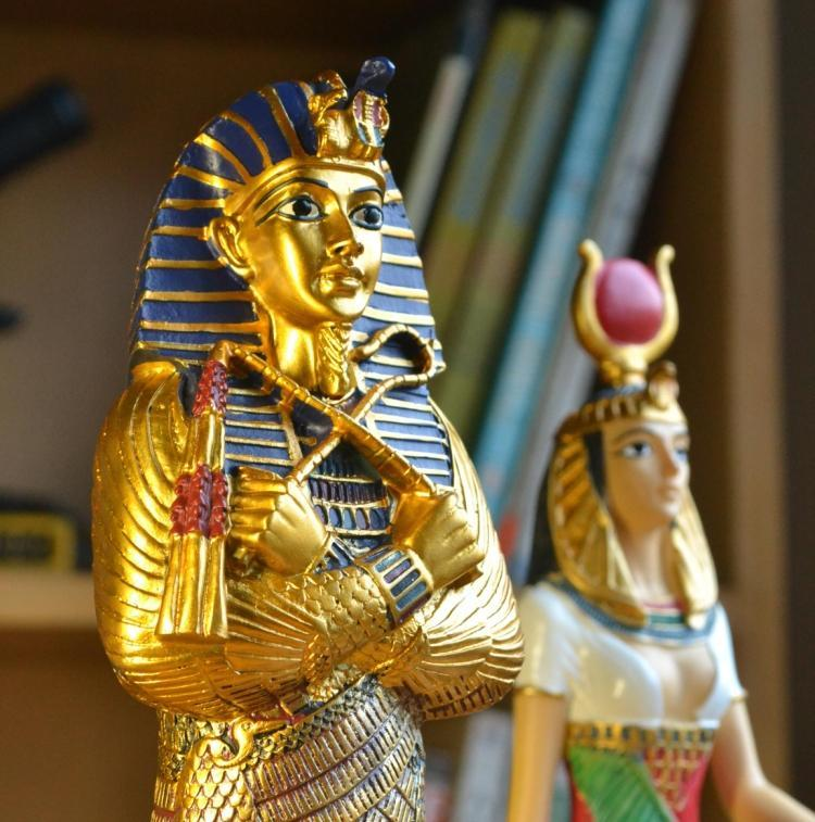 EGYPTIAN STATUE - PHARAOH RESIN