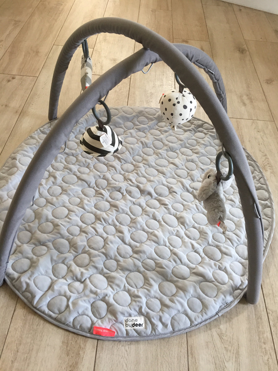 Done by Deer - Tapis de jeu gris