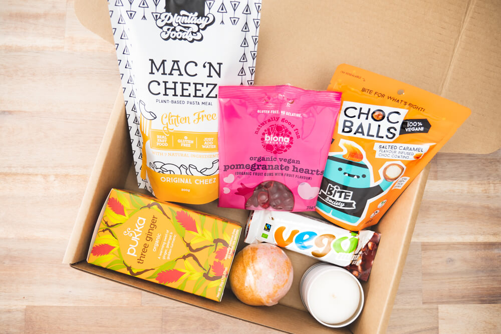 Vegan gift hamper birthday box is filled with a selection of our best selling vegan products and vegan snacks. One of our best vegan hampers available