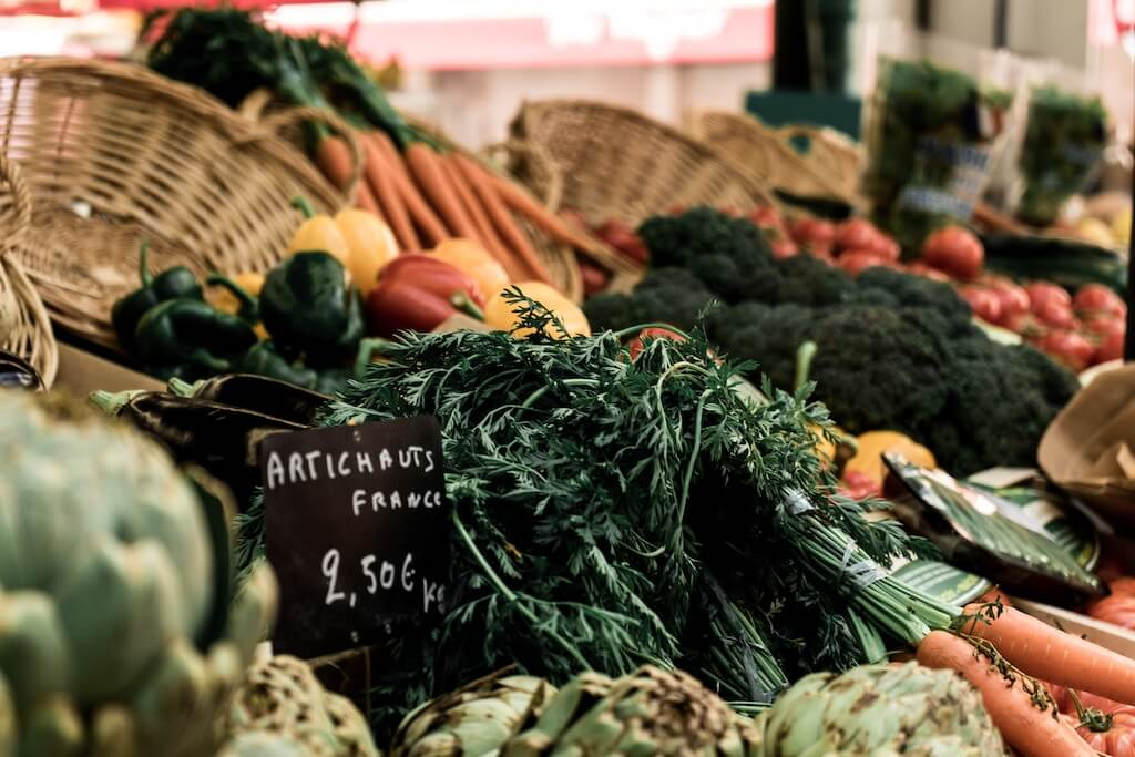 best vegetable puns - vegetables at market