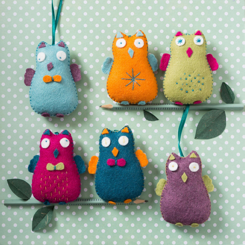 Corinne Lapierre Happy Owls Felt Craft Kit Kit | Natasha Makes
