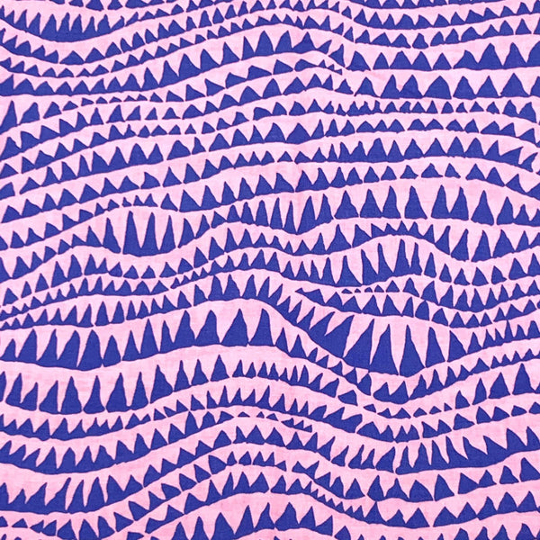 Kaffe Fassett Collective: Sharks Teeth Pink 1/2m