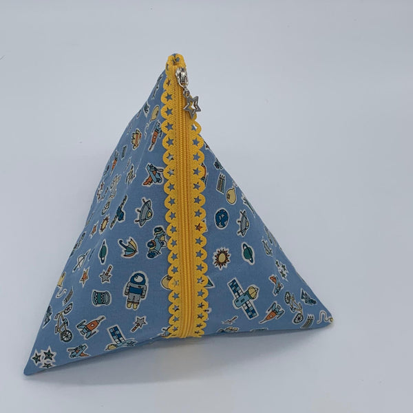 Lace Zip Pouch, pyramid version - INSTRUCTIONS ONLY