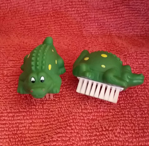 Kid's Nail Brush, Alligator