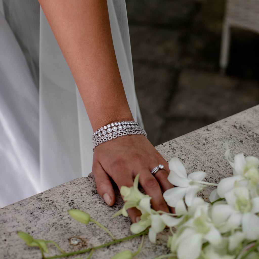EVIE BRACELET WHITE - thekingcreative event and bridal jewellery