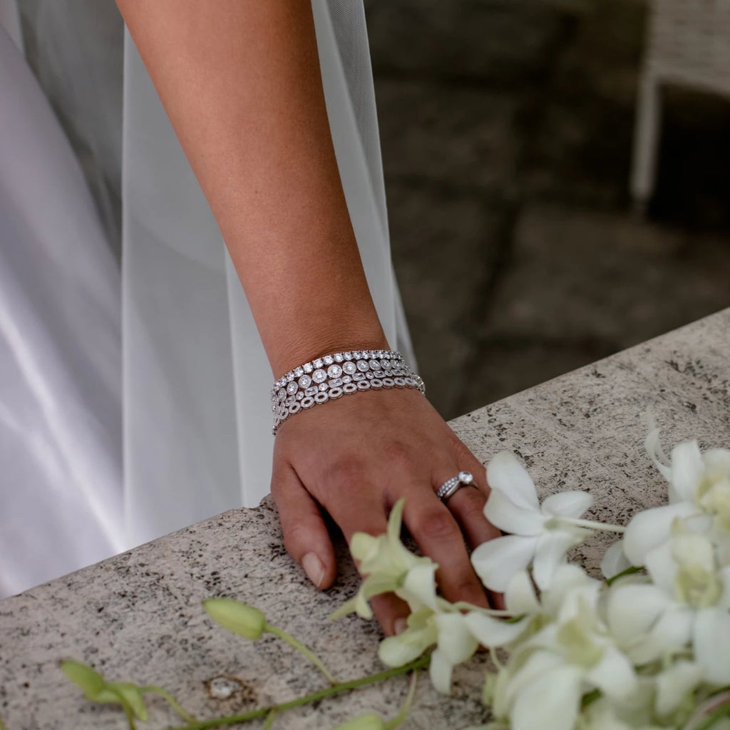 JULIETTE BRACELET WHITE - thekingcreative event and bridal jewellery