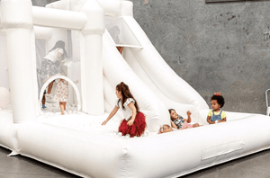 Inflatable Play Castle - 3.5m x 5m - The Setup