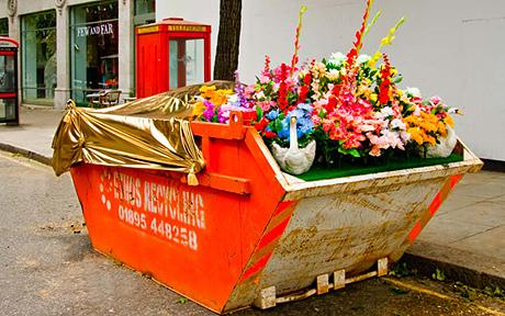 Clearing Unwanted Junk From Your Garden? Go To Kollect For Cheap Skip Hire In Clonmel