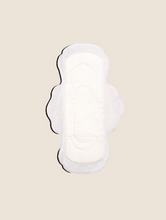 Load image into Gallery viewer, Biodegradable Sanitary Pads for teenagers by The Woman's Company