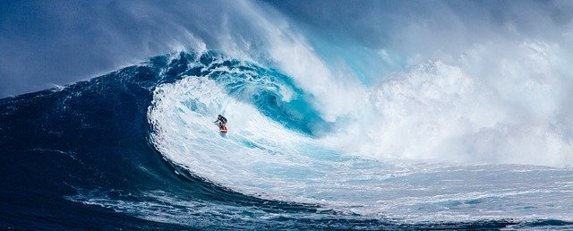 GUIDE TO SURFING IN HAWAII