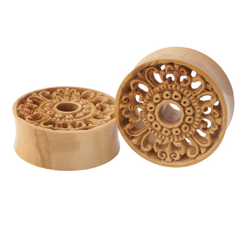 Mammoth Ornate Eyelets