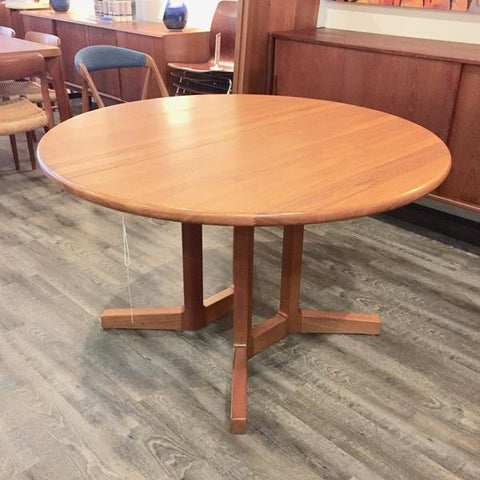 Round Pedestal Table by Dyrlund. From VHB Collection.