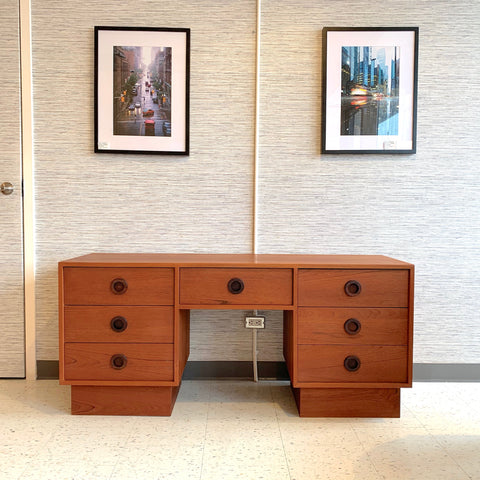 Beautiful Mid-Century Teak Vanity Or Dresser
