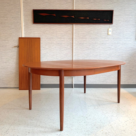 Danish Mid-Century Round Extending Teak Dining Table By Sibast
