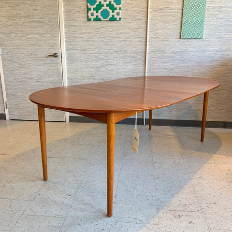 Danish Mid-Century Teak Round Extending Dining Table By Poul Volther