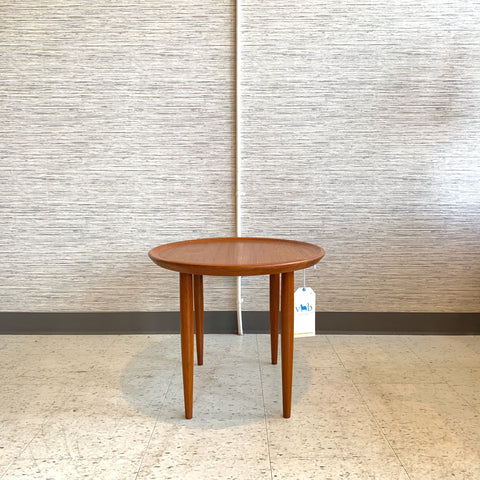 Danish Modern Compact Oval Teak Coffee Or Accent Table