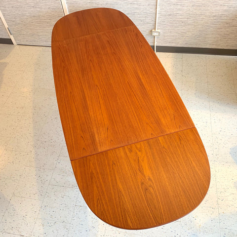 Danish Mid-Century Teak Extending Surfboard Dining Table By AM Mobler