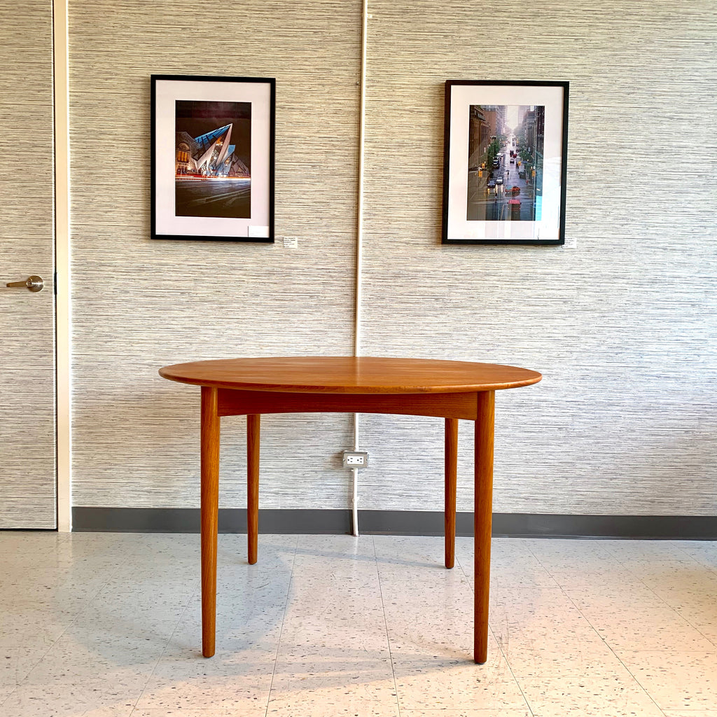 Danish Mid Century Teak Round Extending Dining Table By Poul Volther