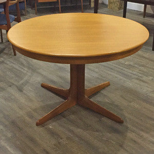 Mid Century Modern Dining Tables The Right Fit For Rooms Of Any Style