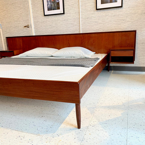Exceptional Mid-Century Teak King Bed Frame With Floating Side Tables