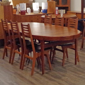 Solid Teak Extending Dining Table By Ib Kofod Larsen - Vintage Home Boutique - 4