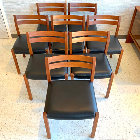 JL Moller Model 401 Dining Chairs in Teak