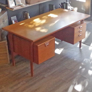 Kai Kristiansen Danish Teak Executive Desk with Bookshelf - Vintage Home Boutique - 4