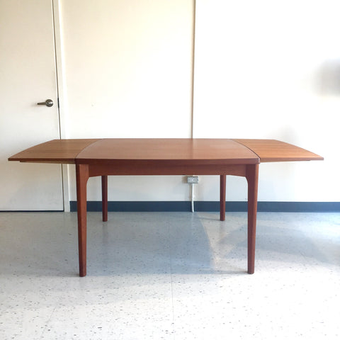Mid-Century Teak Extending Dining Table by Vejle Stole Moblefabrik