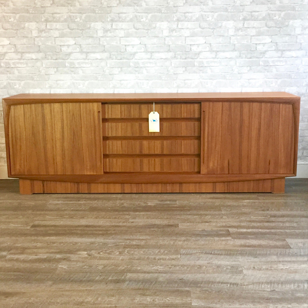New Old Stock Danish Mid Century Teak Sideboard By Dyrlund # Punch Meuble Tv