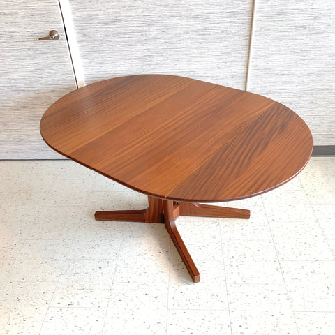 Solid African Teak Oval Extending Mid-Century Dining Table By Imperial
