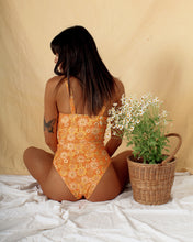 Load image into Gallery viewer, Luca One Piece ~ Moon Daisy