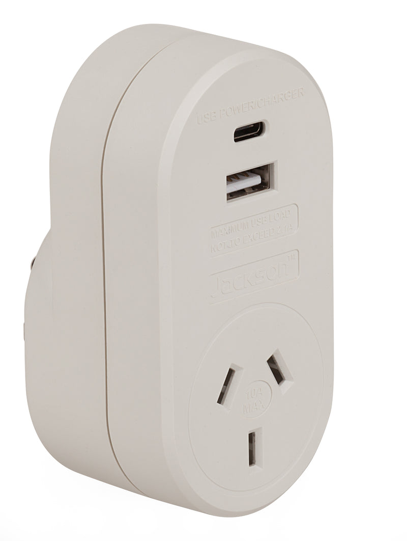 Outbound USB-A & C Travel Adaptor- USA