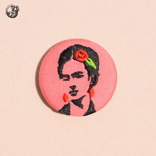 Broche petit format Frida - Do you speak français ?
