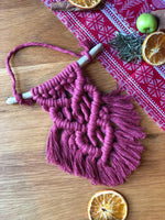 Mini Macramé Heart Wall Hanging - The Thread Shop