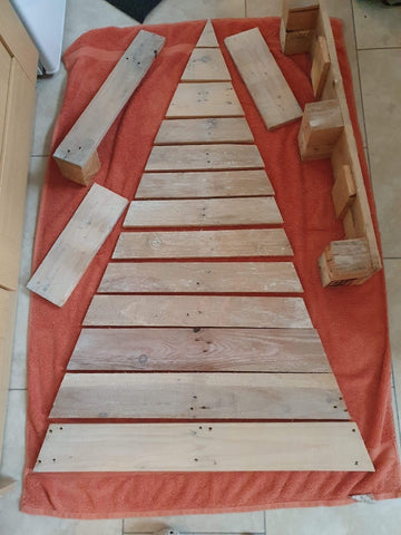 Make your own up cycled pallet christmas tree