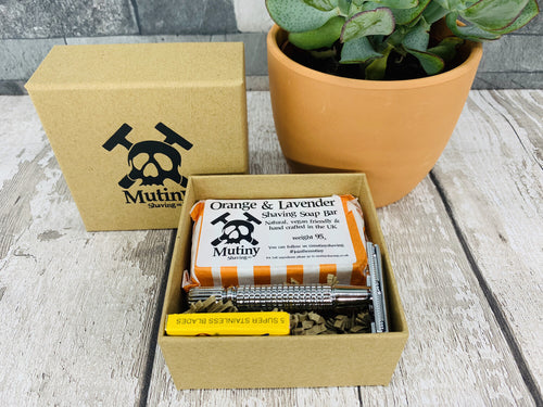 Shaving Mini Kit with Soap (Five replacement blades included)